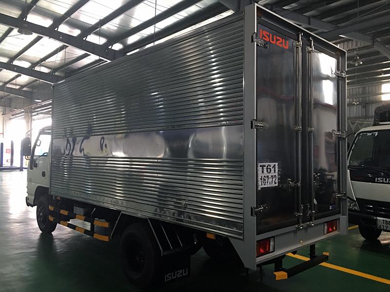 xe tai qkr270 2 tấn thùng kín