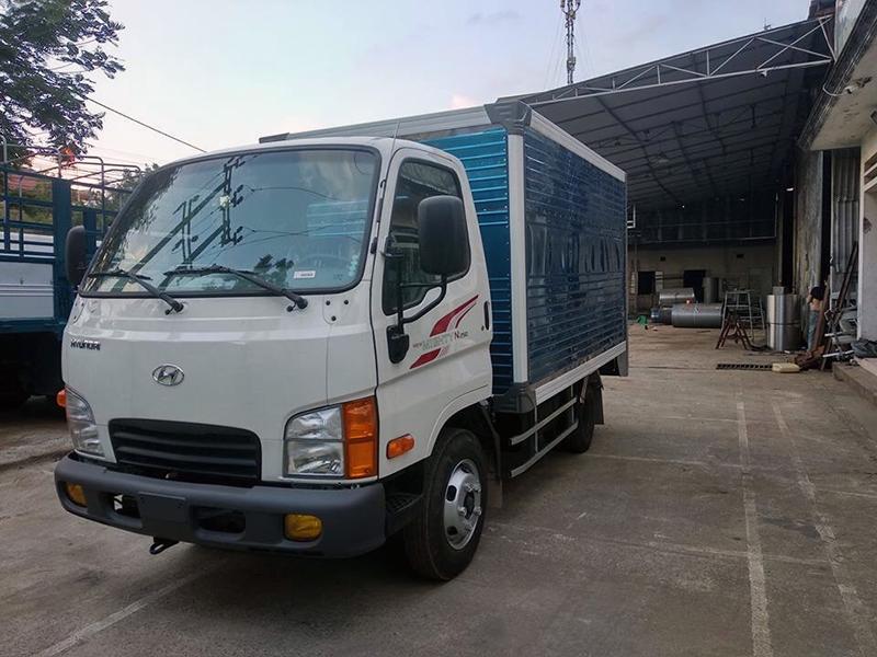 Giá xe tải Hyundai New Mighty N250 Thùng Kín (2,25 Tấn)